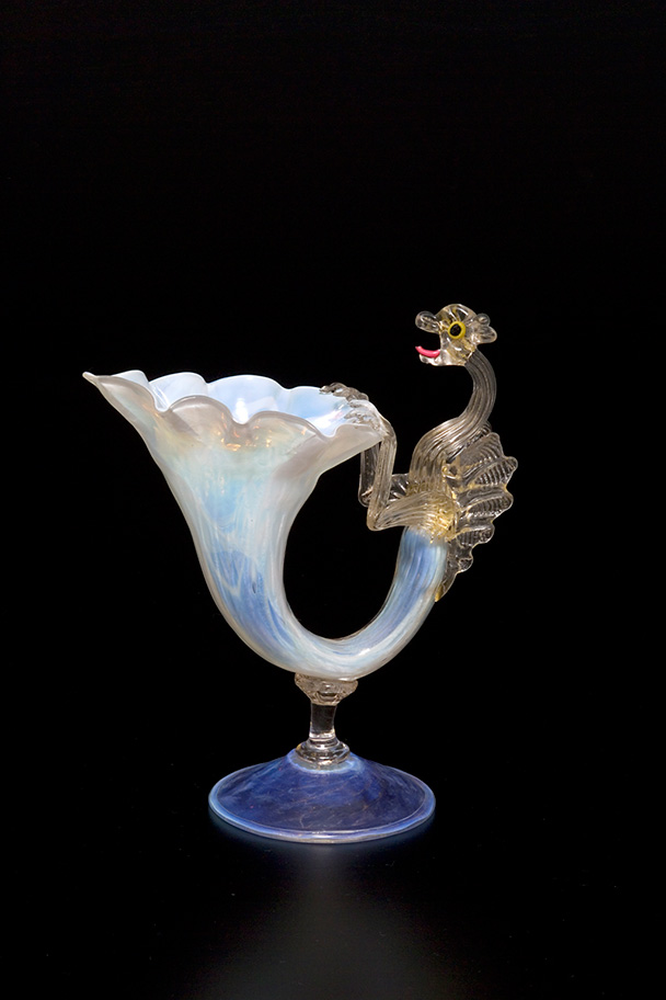 vase with dragon apendage
