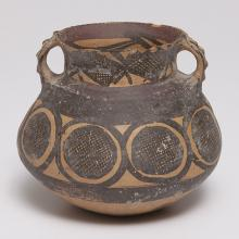 <a href='http://collection.spencerart.ku.edu/eMuseumPlus?service=ExternalInterface&module=collection&objectId=44958&viewType=detailView' target='_blank'><i>pot with crosshatched medallions and looped handles</i> by Yangshao culture</a>